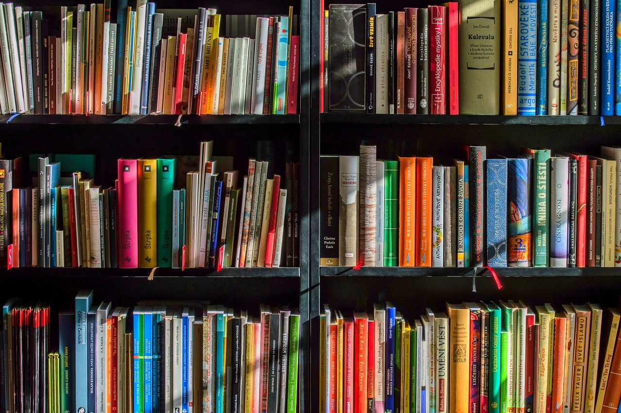 books 1204029 1280