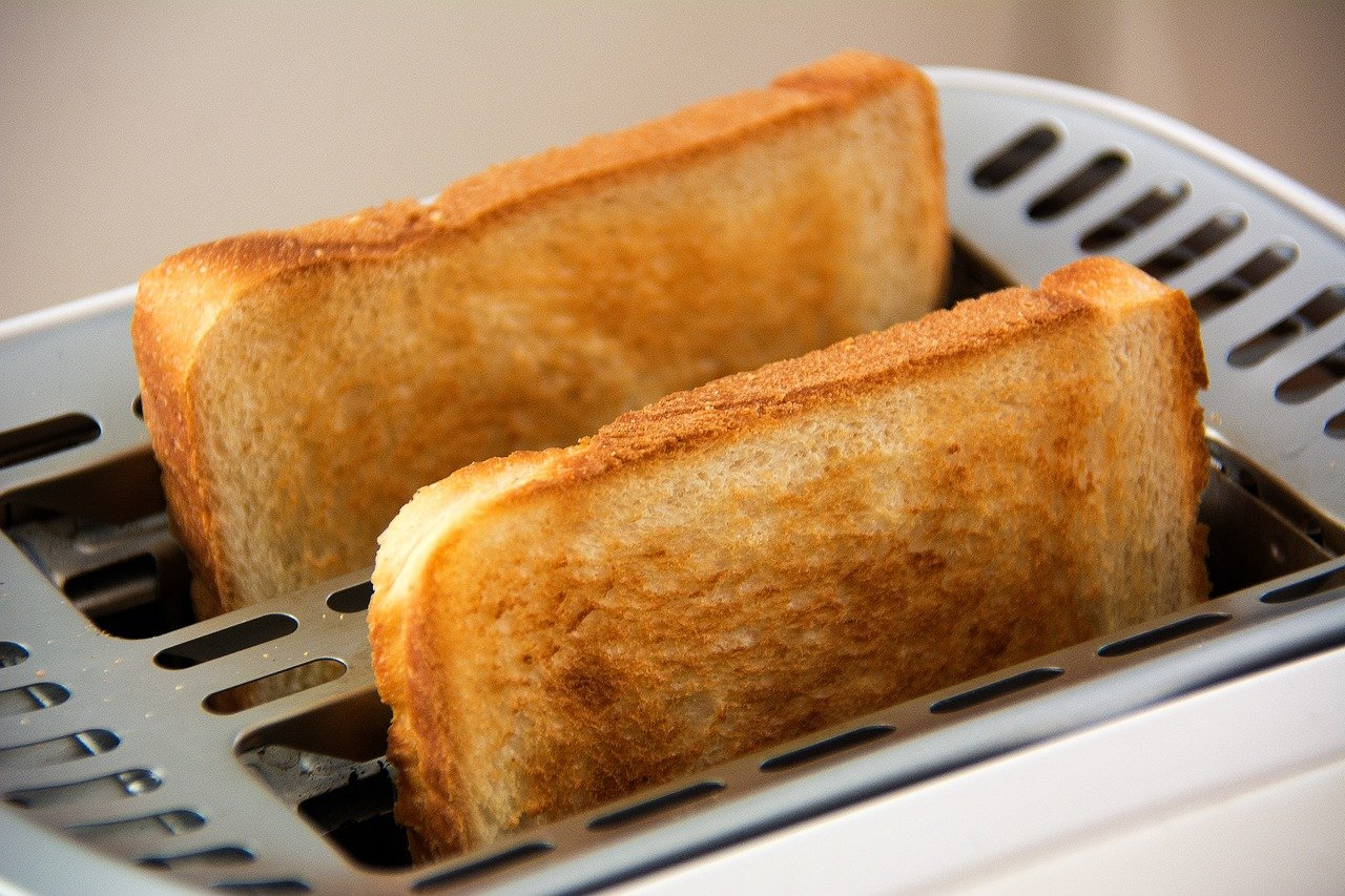 How-Irish-People-eat-toast